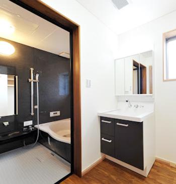 浴室と洗面所をセットでリフォームするパターン。